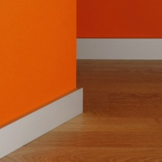R-850-8 Aluminium skirting...